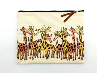 pouch_giraffes
