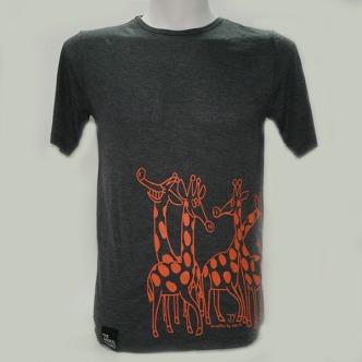 t-shirt-giraffes_male_img_6192